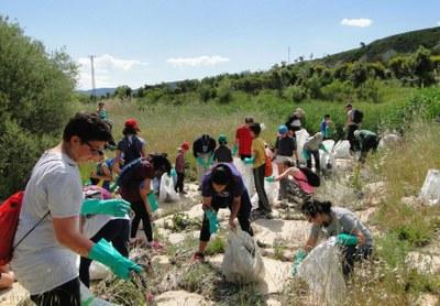 El 'Clean-Up Day' retira 110 quilos de residus al riu Anoia