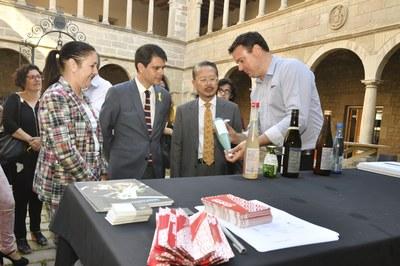 El cònsol del Japó visita Igualada coincidint amb el Vadefoodies