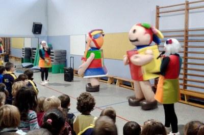 Els Esmolets visiten les escoles
