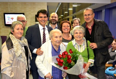 Felicitació a Dolors Cos pels seus 100 anys