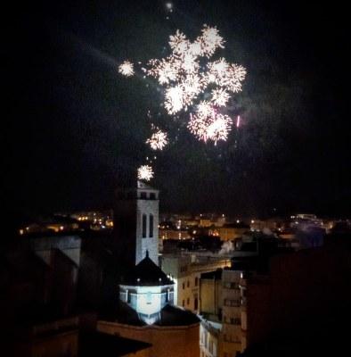 Igualada viu un Sant Joan diferent, amb espectacles pirotècnics en quatre terrats de la ciutat