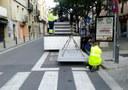Sis noves andanes de formigó en parades de bus urbà