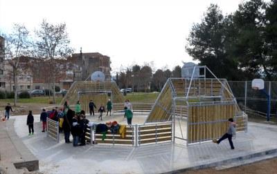 Vallbona incorpora una pista multiesportiva