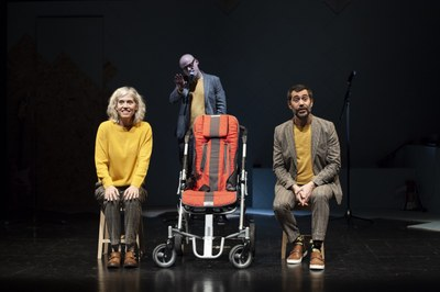 'Qui ets?', de Màrius Serra, teatre, música i vida a l'Ateneu