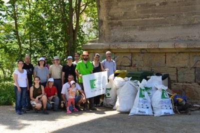 300 quilos de residus recollits al Riu Anoia
