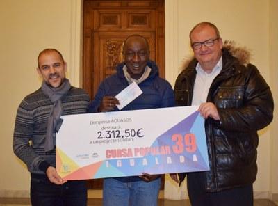 Aquasos lliura 2.300 euros a un projecte d'agricultura solidària a Gàmbia