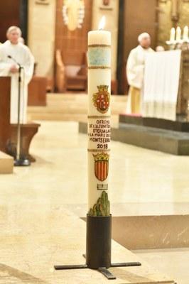 El 13 d'abril, ofrena del Ciri Votiu a Montserrat
