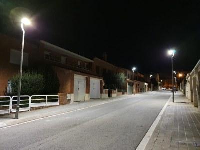 El barri residencial de Les Comes és el primer en tenir totes les luminàries led