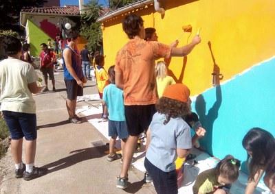 El Cau d'Igualada pinta un mural al Banc de Queviures