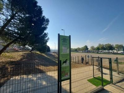 Igualada obre l'espai d'esbarjo per a gossos més gran de la ciutat al costat del Parc Central