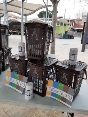 L'ajuntament d'Igualada reparteix cubells airejats per fomentar la recollida selectiva a casa