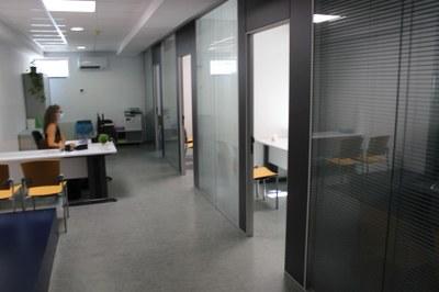 L'Espai Cívic Centre d'Igualada remodela la planta baixa per centralitzar l'atenció dels tràmits de dependència, gent gran i discapacitat