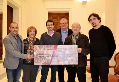 La Cursa Popular deixa més de 2.000 euros per un projecte solidari