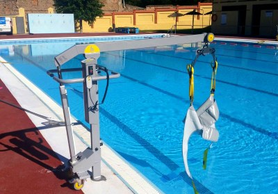 La piscina del Molí Nou ja és plenament accessible