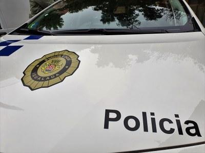 La Policia Local deté un conductor sense carnet per conducció temerària i atemptat a l'autoritat