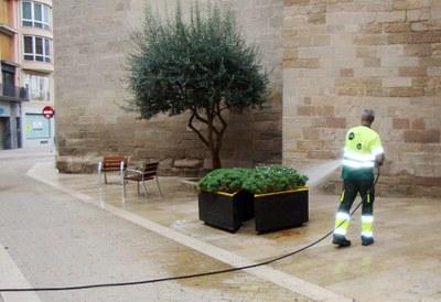 L'Ajuntament destinarà més recursos a reforçar la neteja viària