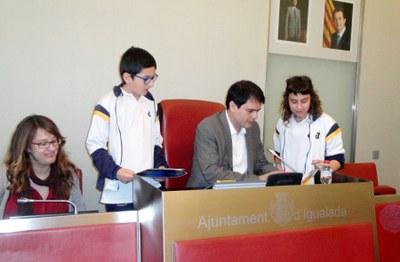 Les cooperatives escolars presenten els seus projectes a l'Ajuntament