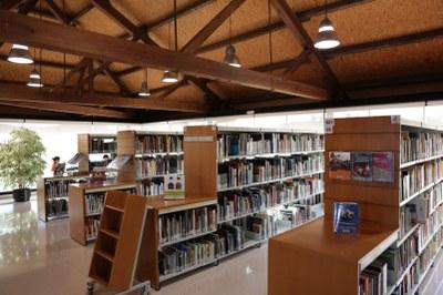 Sala d'estudi en cap de setmana a la Biblioteca Central