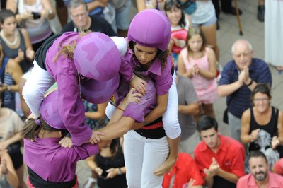 Taller per elaborar una visera castellera per Festa Major