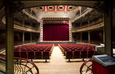 Venda d'abonaments per al Teatre Municipal l'Ateneu