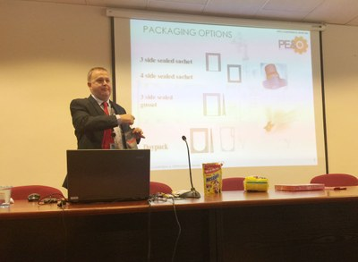 """Packaging flexible"" a l'Escola Municipal d'Art Gaspar Camps d'Igualada"