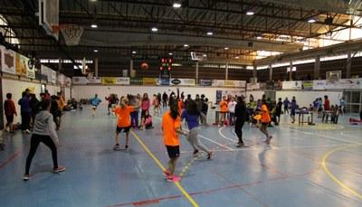 Mil escolars  i 121 equips al Torneig Caga Tió