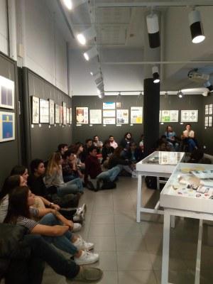 L'alumnat de l'escola La Gaspar visita l'exposició de Pep Ribera
