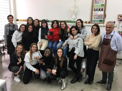 Les alumnes de disseny de moda de la Llotja visiten La Gaspar