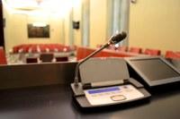 Saló de sessions micròfon 2