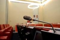 Saló de sessions micròfon
